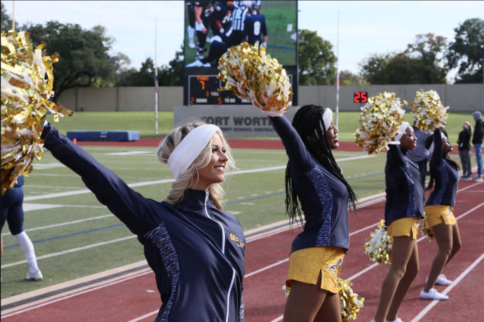 Photo of TXWES cheerleaders during 2018 Homecoming football game